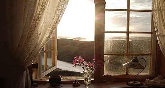 پنجره ای به سوی نور باید گشود