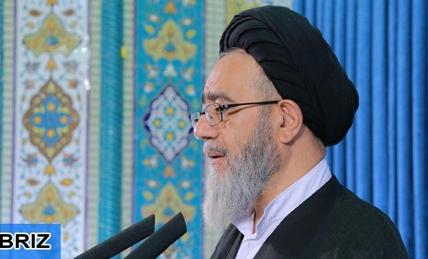 امام جمعه تبریز عنوان کرد؛ در راه آرمان های انقلاب خستگی معنی ندارد