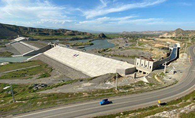 با توافق ایران و جمهوری آذربایجان انجام میشود/ تکمیل و ساخت سد و نیروگاههای خداآفرین و قیزقلعهسی